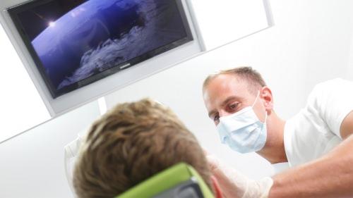 Patient während der Behandlung